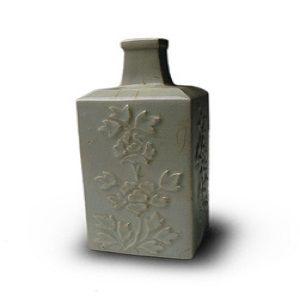 李朝白磁陽刻文角瓶朝鮮骨董