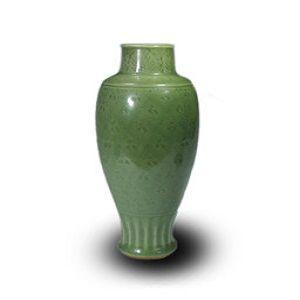 七官青磁陰刻文花瓶